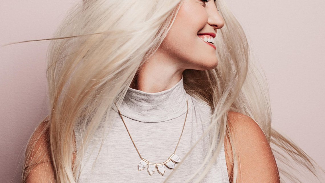 Taicuhelsa: dunkelblonde haare blond färben
