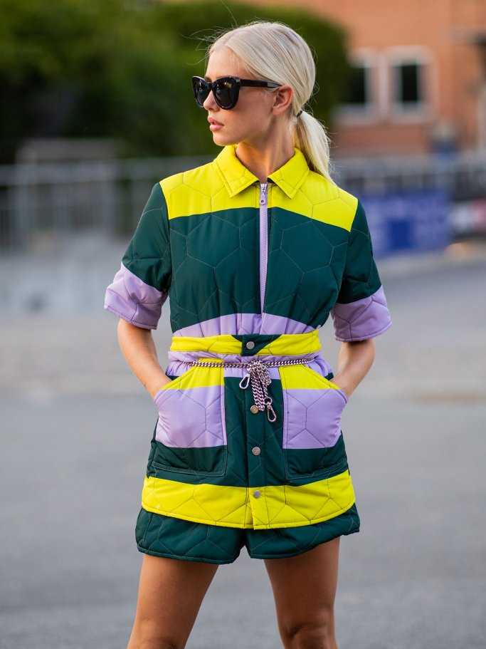 Colourblock Street Style  | © Getty Images | Christian Vierig