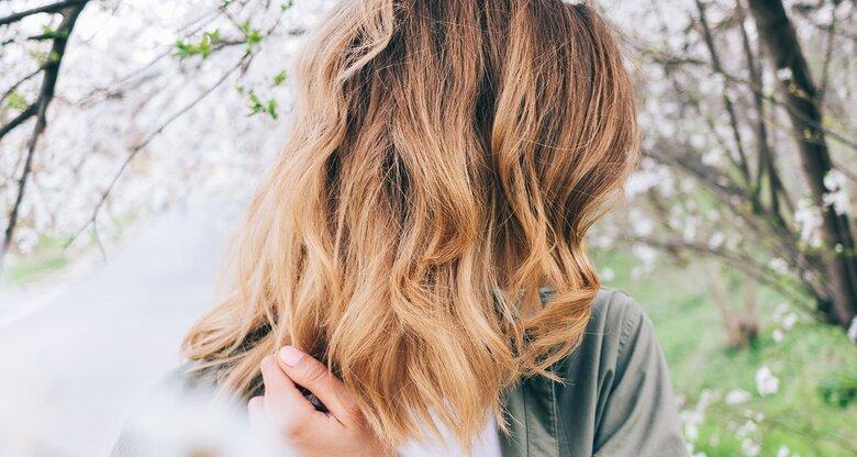 Braune haare von hinten