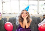 Frau nach einer Party | © iStock | epicurean