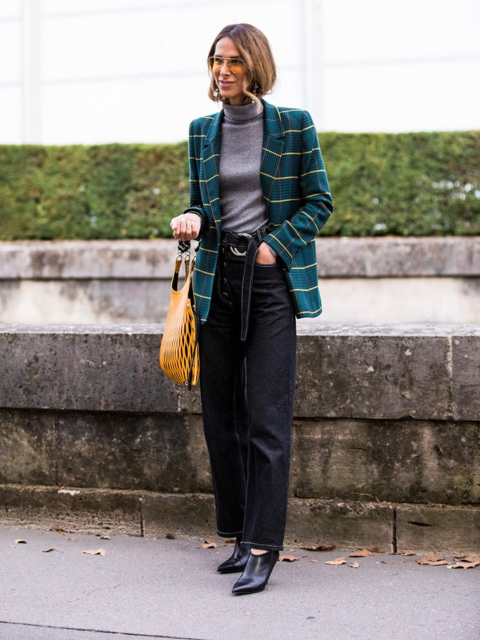 Streetstyle mit Checked Blazer | © Getty Images | Claudio Lavenia