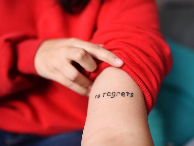 Handgelenk kleines mann tattoo 250+ Tattoos