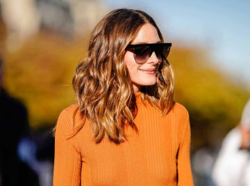 Olivia Palermo trägt ihren Clavi Cut mit leichten Beach Waves. | © Getty Images | Edward Berthelot
