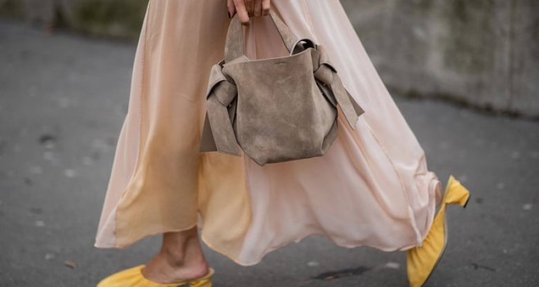 Acne Musubi Bag | © Getty Images | Christian Vierig