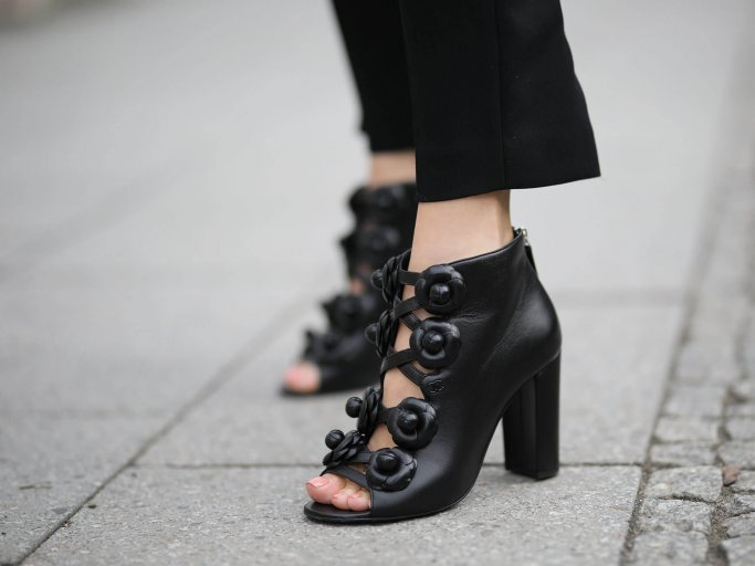Peeptoe Boots von Chanel | © Getty Images | Jeremy Moeller