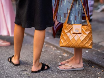 Sommerschuhe: Schuhtrends im Sommer 2019 | © Getty Images | Christian Vierig